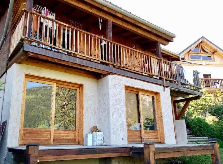Chambre avec terrasse - Vue sur vallée
