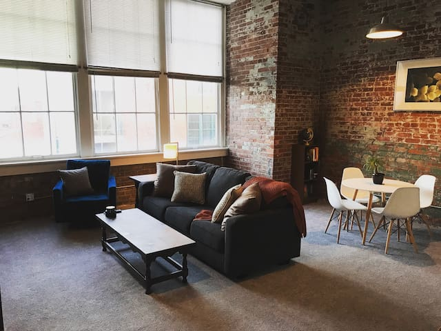 Modern Studio/Loft in Heart of OTR - Cincinnati - Appartement