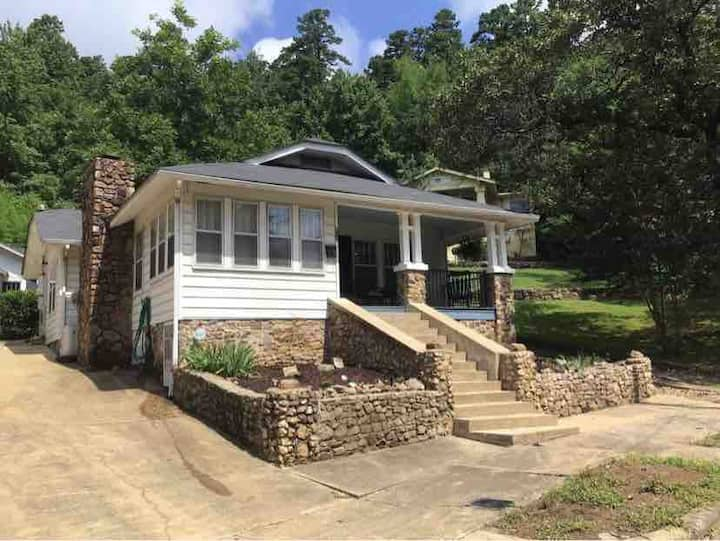 Renovated Historic Home - Two Mins from Downtown