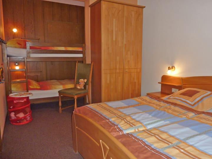 Ferienbauernhof Gördes, (Schmallenberg), Eulennest, 46qm, 1 Schlafzimmer, max. 4 Personen