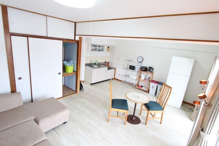 A 20-minute drive from Naha IC! Chambord House - Nanjō-shi - Apartamento