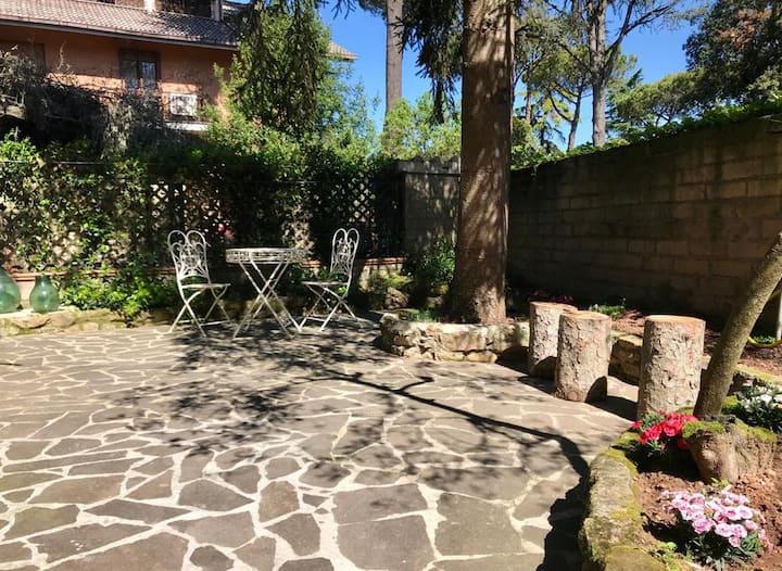Loft con giardino in zona Appia Antica
