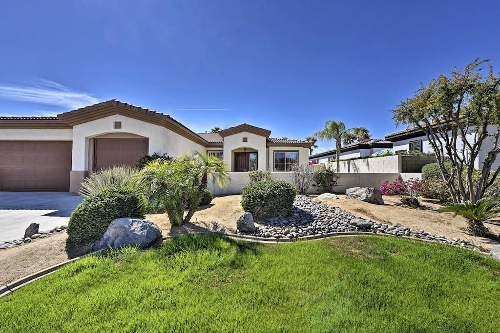 This centrally located abode is close to all of Palm Desert's hottest attractions.