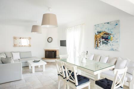 """""""Villa Euforia""""  Cycladic•Seaview•Private s/w Pool"""