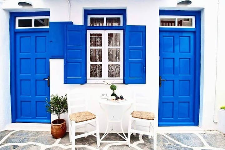 Two-room apartment at the heart of Mykonos city