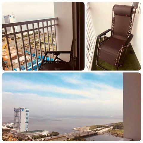 #Cozy SHOREcondo w/ mesmerizing view of Manila Bay