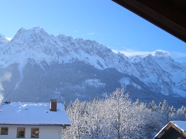 Panorama-Ausblick Wohnung Wetterstein