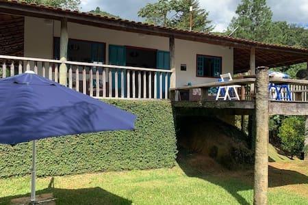 Casa c/ Cachoeira no Quintal, Wiffi e Vista Linda.