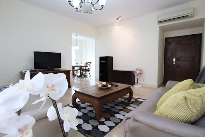 Terrific and Relaxing 3 bedroom near Orchard