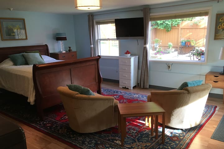 Portland Vintage Hideaway