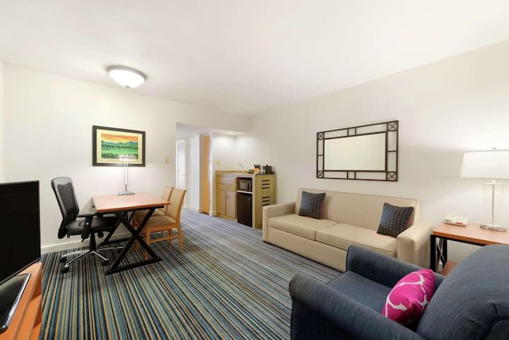 Entire Suite Partial Ocean View Two Double Beds At Dorado Del Mar