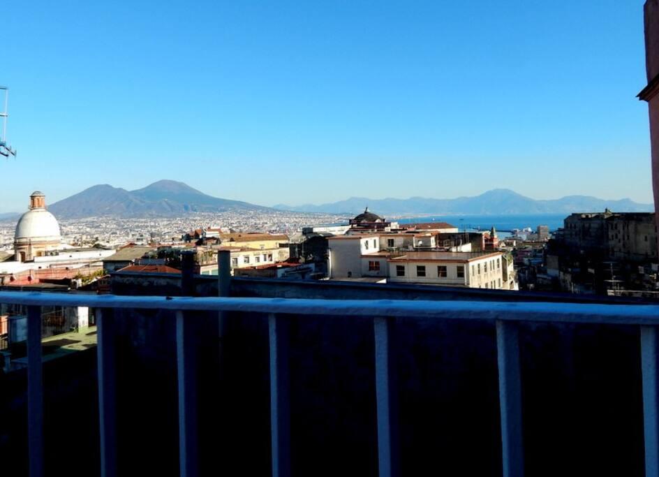 Sognapoli appartamento e terrazzo panoramici for Appartamenti in affitto arredati napoli
