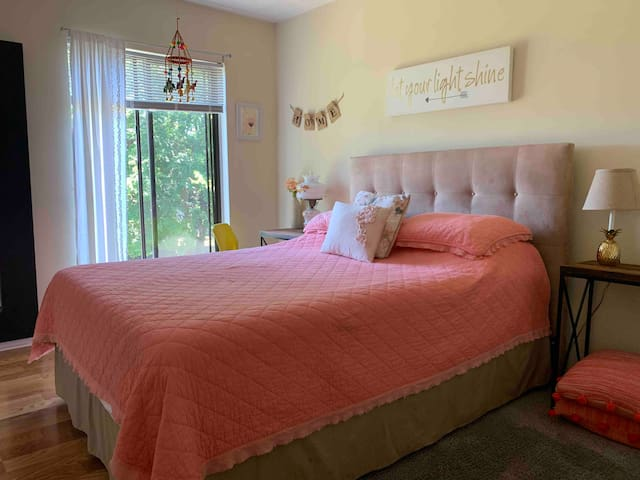 Shabby  Chic Cozy Classic Townhouse
