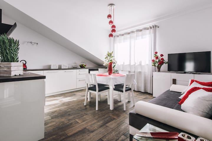 Ariańska, 1 bedroom, 42m2, LIFT, GARAGE