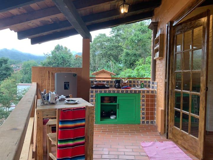 CASA HEDDA Colorful Ranch Style Studio