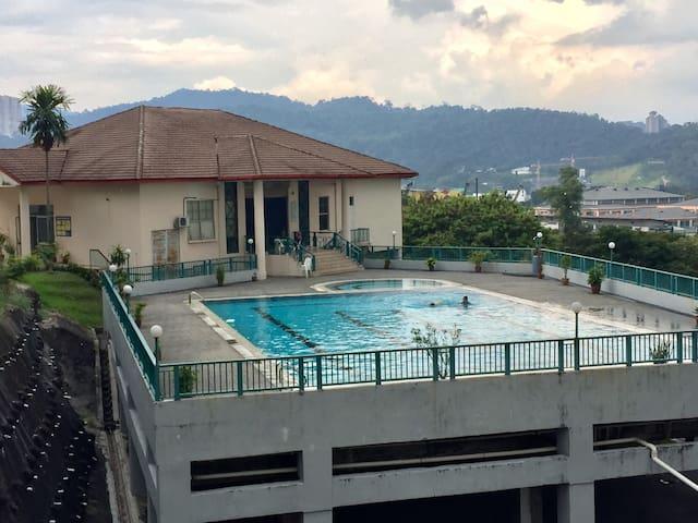 Spacious Apartment (Free Access to Pool) Near KLCC