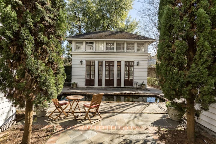 Downtown Cottage with Pool and Courtyard - Charleston - Villa