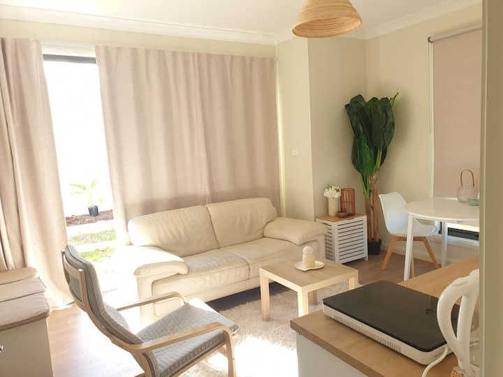 Charming Beachside Guest Suite, Greenhills Beach