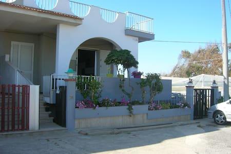 Casa vacanza di fronte al mare, - Santa Croce Camerina
