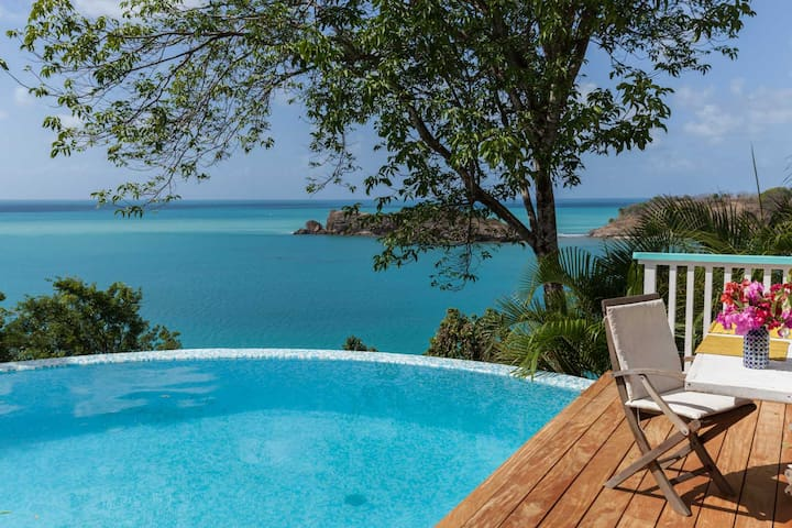 1 Bedroom luxury retreat near the beach