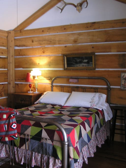 Bedroom 5 - The Log Cabin Room