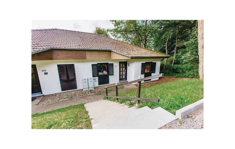 Semi-Detached with 3 bedrooms on 70 m² in Frankenau