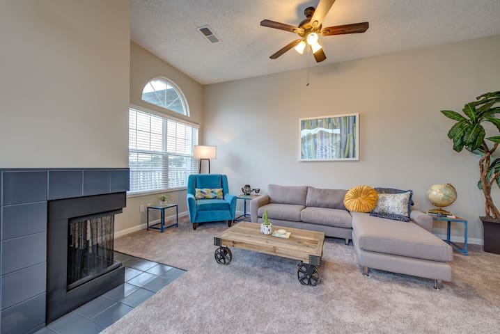All-inclusive apartment home   1BR in Indianapolis
