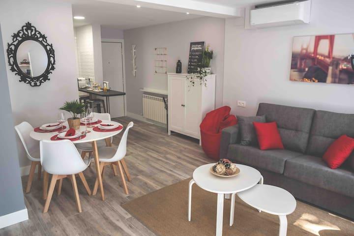 VALTOUR Nuevo junto Centro+Wifi+AC+Netflix+Terraza