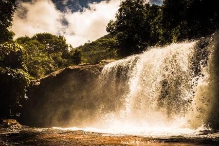 Casa na Cachoeira no Pq Nac do Caparaó - Sereno