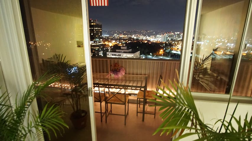 Beautiful Room with Great view in Santa Monica