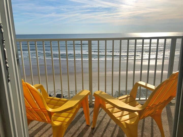 Wonderful Ocean Front Studio in Daytona Beach!