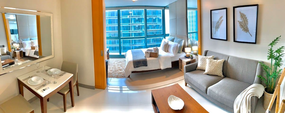 Contemporary City View Condo with Netflix in BGC