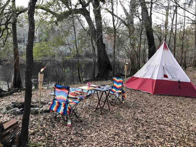Bowman's Landing Campsite on The Santa Fe River 1