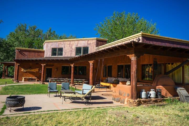 Retreat Center- 7 rooms, Yoga Barn, on Oak Creek