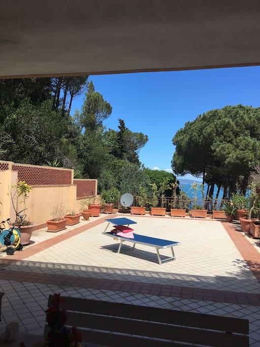 Apt con terrazza vista mare appartamenti in affitto a for Appartamenti porto santo stefano
