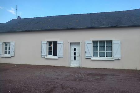 Maison de 100m2 à 15 kms du Mont Saint Michel