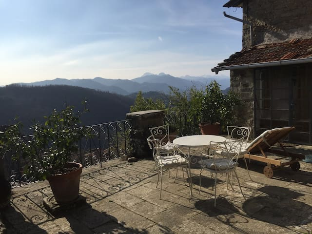 Olives Terrace, near Bagni di Lucca - Benabbio - Apartment