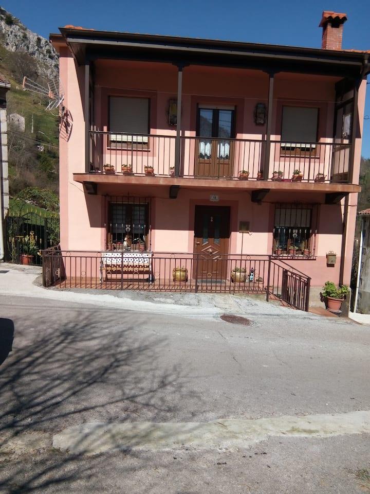 Alquiler de casa de campo, situada en la montaña
