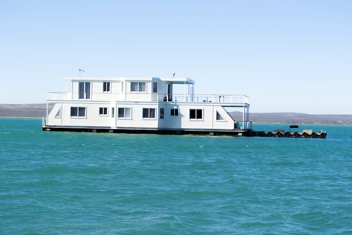 Kraalbaai Luxury House Boats Nirvana 22 Sleeper