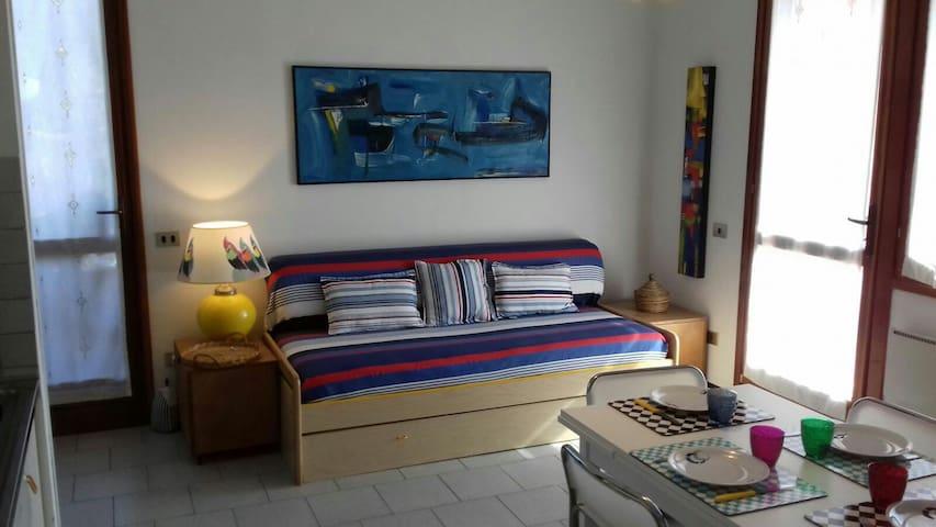 Luminoso e accogliente bilocale - Procchio - Appartement