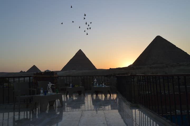 pyramids palace guest house
