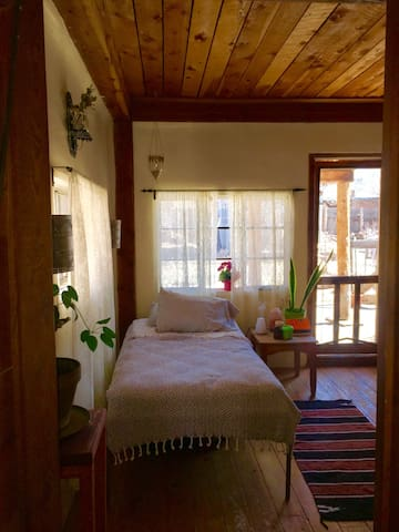 Charmingly Rustic Casita Near Plaza - Taos - Apartment