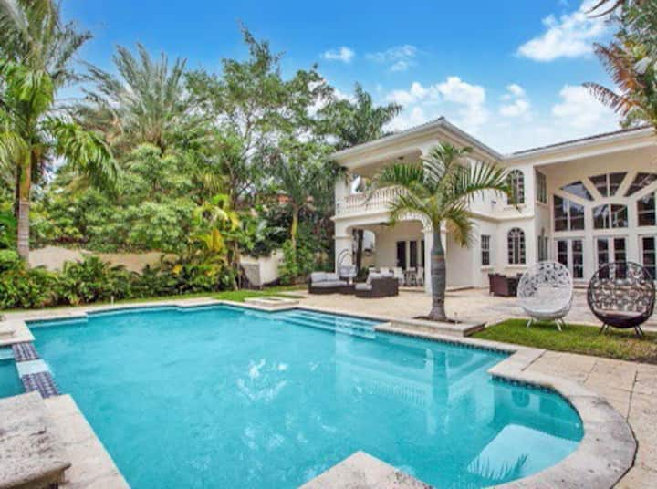 Villa Lyda - Minutes to South Beach