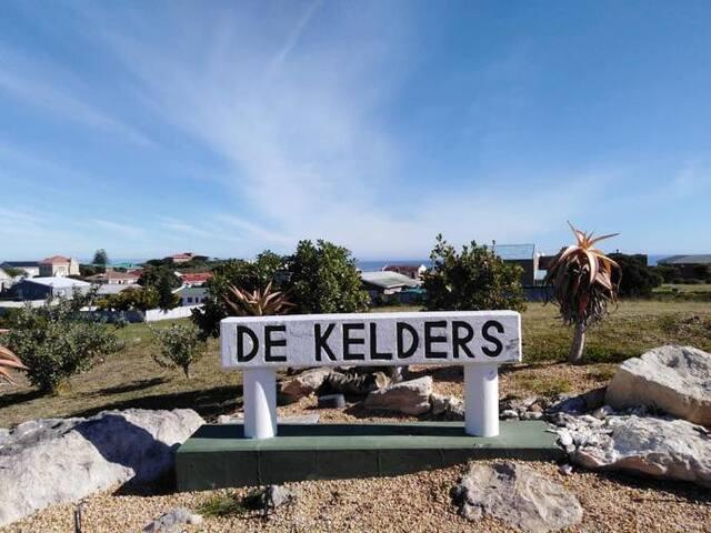 Guidebook for De Kelders