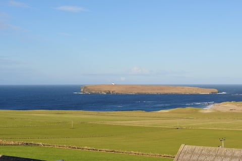 Norvald - Farm stay in Birsay with beautiful views