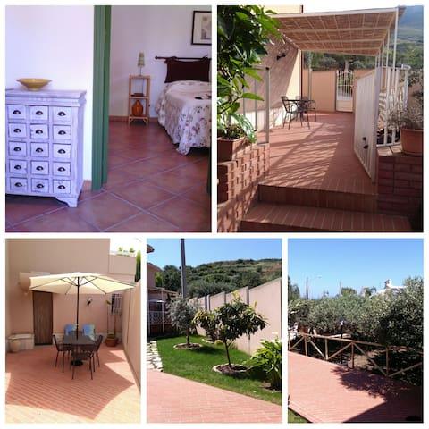Casa rurale Baglio Papuzzi Trapani - วาลเดอริส - วิลล่า
