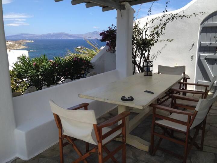 Cosy Bohème retreat with sea views