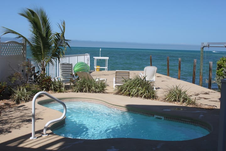 Keys Spectacular Waterfront- Gulf View, Dock, Pool