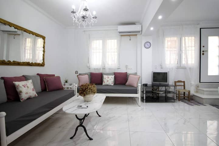 Nice apartment in the heart of Athens