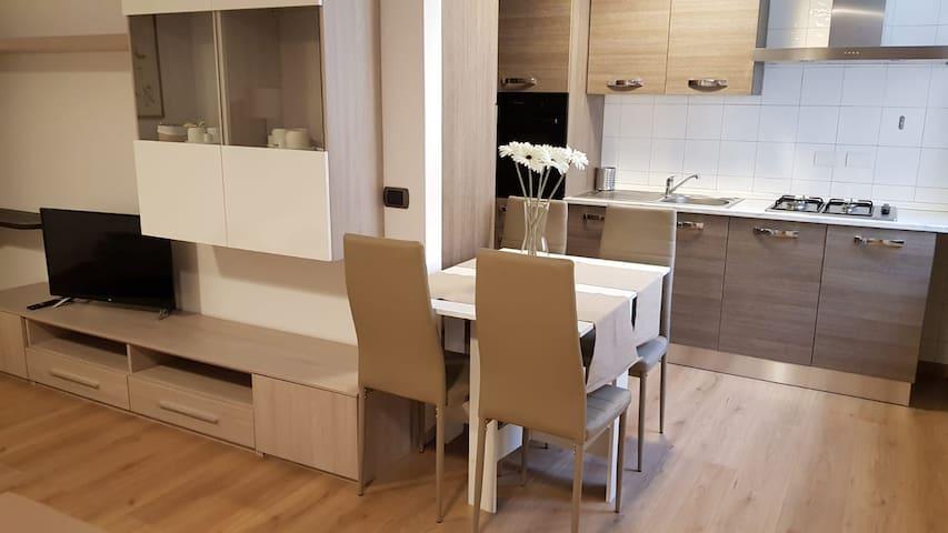 Fashion apartment-senza spese Stadio-Centro-Fiera